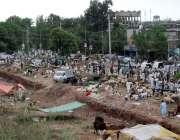 اسلام آباد:عیدالاضحی کی آمد کے موقع پر مویشی منڈی میں خریداروں کے رش ..