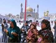سیہون : حضرت لال شہباز قلندر کے766ویں عرس کے موقع پرآئی خواتین عقیدت ..