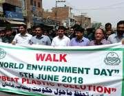 ملتان: ماحولیات کے عالمی دن کے موقع پر آگاہی واک کی جا رہی ہے۔