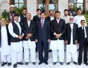 پشاور: قائمقام گورنر خیبر پختونخوا مشتاق غنی کا ڈسٹرکٹ بار ایبٹ آباد ..
