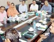 لاہور: سینئر صوبائی وزیر عبدالعلیم خان محکمہ بلدیات کے بریفنگ اجلاس ..