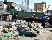 گلگت: میونسپل کارپوریشن کے زیر اہتمام کچرا اٹھایا جا رہا ہے۔