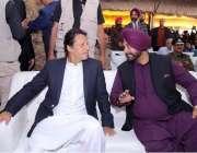 نارووال :وزیر اعظم عمران خان اور سابق بھارتی کرکٹر و ریاستی وزیر نوجوت ..