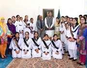 اسلام آباد: وزیراعظم شاہد خاقان عباسی کا وزیر اعظم ہاؤس میں ڈویژنل ..