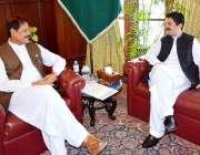 پشاور: قائمقام گورنر خیبر پختونخوا مشتاق غنی سے ایم این اے علی خان جدون ..