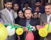 لاہور: صوبائی وزیر پرائمری اینڈ سیکنڈری ہیلتھ خواجہ عمران نذیر تحصیل ..