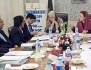 لاہور: صوبائی وزراء حمیدہ وحید الدین اور ذکیہ شاہنواز خواتین کے عالی ..