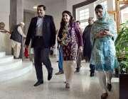 راولپنڈی: نگران وزیر ریلوے روشن خورشید بھروچہ ریلوے اسٹیشن کے مختلف ..