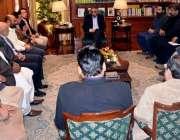 کراچی: گورنر سندھ محمدزبیر سے گونر ہاؤس میں آل سٹی تاجر اتحاد کا وفد ..