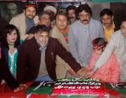 لاہور: پیپلز پارٹی کے بانی ذوالفقار علی بھٹو کی سالگرہ کا کیک ہرا سائیں ..