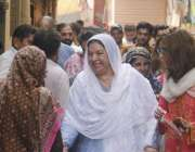 لاہور: تحریک انصاف کی حلقہ این اے125سے نامزد امیدوار ڈاکٹر یاسمین راشد ..