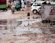 اسلام آباد: کھنہ پل روڈ پر نالیوں کے جمع ہونیوالے پانی سے شہریوں کو ..