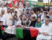 راولپنڈی: سیٹلائٹ ٹاؤ ن میں منعقدہ ممبر سای کیمپ میں نیئر بخاری میڈیا ..