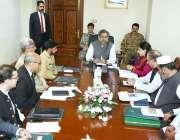 اسلام آباد: وزیراعظم شاہد خاقان عباسی ایک اجلاس کی صدارت کر رہے ہیں۔