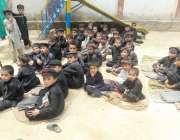ہنگو: حکومتی دعوؤں کے باوجود گورنمنٹ پرائمری سکول شاہووام کے طلبہ شدید ..