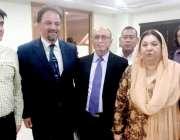 لاہور: وزیر صحت پنجاب ڈاکٹر یاسمین راشد کا عالمی ادارہ صحت کے وفد سے ..
