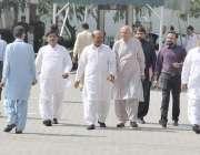 لاہور: اراکین پنجاب اسمبلی اجلاس میں شرکت کے لیے آر ہے ہیں۔
