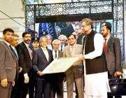 اسلام آباد: وزیراعظم کے مشیر سردار مہتاب احمد خان وزیراعظم شاہد خاقان ..