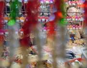 راولپنڈی: عید کی تیاریوں میں مصروف خواتین کمرشل مارکیٹ سے جیولری خرید ..
