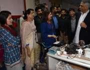 کراچی: گورنر سندھ محمد زبیر ایکسپو سینٹر میں جنگ گروپ کی جانب سے منعقد ..