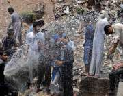 راولپنڈی: انتطامیہ کی نا اہلی، چکلالہ کے علاقہ مں ی پانی کی پائپ لائن ..