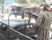 لاہور:  عام انتخابات 2018   پاک فوج کی گاڑی عام انتخابات کے موقع پر امن ..