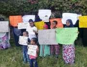 اسلام آباد: سومالی رفیوجی پریس کلب کے سامنے یو این ایچ سی آر کے خلاف ..