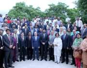 اسلام آباد: چیئرمین ہائر ایجوکیشن کمیشن ڈاکٹر طارق بنوری کا انٹر یونیورسٹی ..