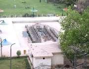 پشاور: جناح پارک میں ٹوٹے ہوئے فوارے کا منظر متعلقہ ادارے کی توجہ کی ..
