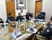 کراچی: آئی جی سندھ سید کلیم امام سینٹرل پولیس آفس میں منعقدہ اعلیٰ سطحی ..