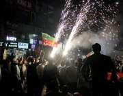 لاہور: تحریک انصاف کے چیئرمین عمران خان کے وزیراعظم بننے کی خوشی میں ..