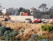 راولپنڈی: البراق کی گاڑیاں کچرا اٹھانے میں مصروف ہیں جبکہ کچرے کے باعث ..