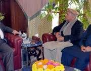 پشاور: گورنر خیبر پختونخوا انجینئر اقبال ظفر جھگڑا سے وزیر مملکت برائے ..