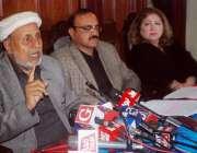 لاہور: اپوزیشن لیڈر میاں محمود الرشید پنجاب اسمبلی کیفے ٹیریا میں پریس ..