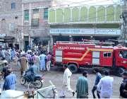 حیدر آباد: فائر برگیڈ کے عملہ ٹاور مارکیٹ میں لگے آب بجھانے میں مصروف ..