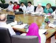 لاہور: سیکرٹری پرائمری اینڈ سیکنڈری ہیلتھ کیئر علی بہادر قاضی تمام ..