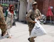 راولپنڈی: پاک فوج کے جوان انتخابات کے سلسلے میں فرائض سرانجام دے رہے ..