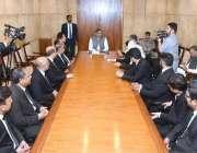 اسلام آباد:وزیراعظم شاہد خاقان عباسی سے راولپنڈی ہائی کورٹ بار ایسوسی ..
