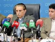 مظفر آباد: وزیراعظم آزاد کشمیر راجہ فاروق حید خان سنٹر پریس کلب میں ..