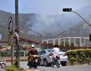 اسلام آباد: مارگلہ کی پہاڑیوں سے اٹھنے والا دھواں فضائی آلودگی کا سبب ..