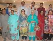 لاہور: ڈومیسٹک ورکز یونین کے جنرل کونسل اجلاس کے موقع پر مہمان خصوصی ..