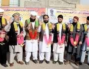 پشاور: مرکزی تنظیم تاجران کمیٹی کے صدر تاجروں کی کنونشن کے موقع پر تاجروں ..