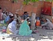 راولپنڈی: ڈی ایچ کیو ہسپتال میں مناسب سہولیات نہ ہونے کے باعث مریضوں ..