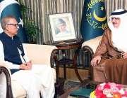 اسلام آباد: صدر مملکت ڈاکٹر عارف علوی سے سعودی سفیر ملاقات کر رہے ہیں۔