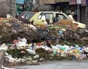راولپنڈی: سر سید چوک میں جمع کچرے کی وجہ سے وبائی بیماریوں کا خدشہ ہے ..