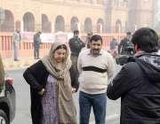 لاہور: صوبائی وزیر صحت ڈاکٹر یاسمین راشد سپریم کورٹ لاہور رجسٹری میں ..