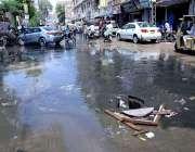 حیدر آباد: ریسالہ روڈ پر سیوریج کا پانی انتظامیہ کی توجہ کا منتظر ہے۔