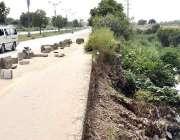 اسلام آباد: وفاقی دارالحکومت میں منگلا روڈ کی باؤنڈری وال ٹوٹی ہوئی ..