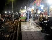 اسلام آباد: ستارہ مارکیٹ میں دکانداروں کی جانب سے فٹ پاتھ پر لگائے جانیوالے ..