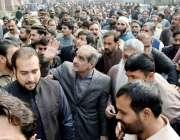 لاہور: مسلم لیگ(ن) کے رکن قومی اسمبلی و سابق وفاقی وزیر خواجہ سعد رفیق ..